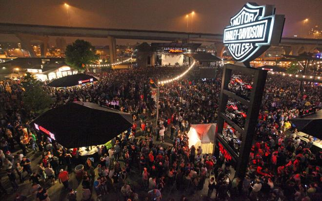 Outdoor Events In Milwaukee Wisconsin Mobile Led