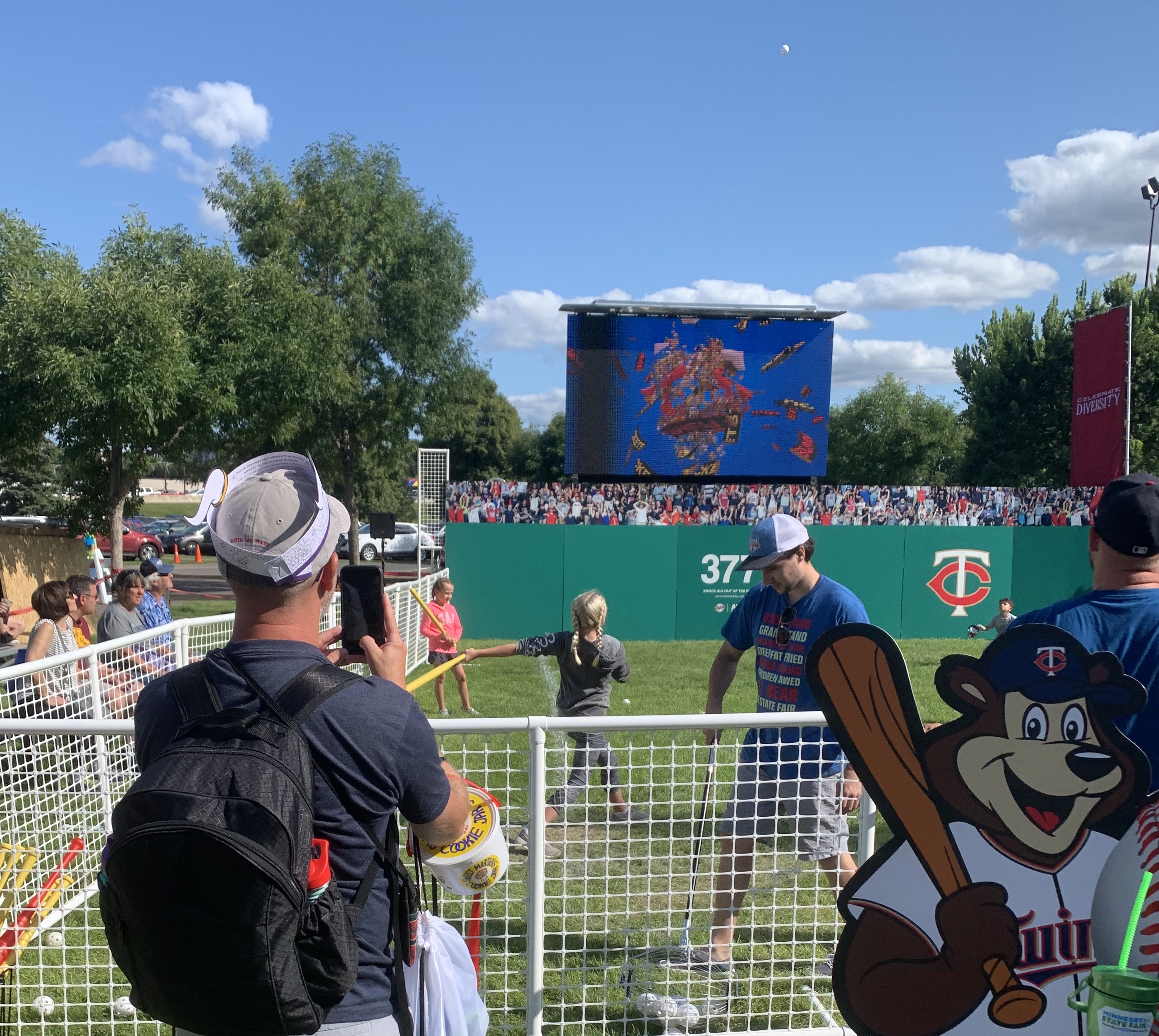 led mobile jumbotron big screen video wall for outdoor event rental for minnesota twins at the minnesota state fair